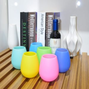 Silicone wine glasses in vintage style